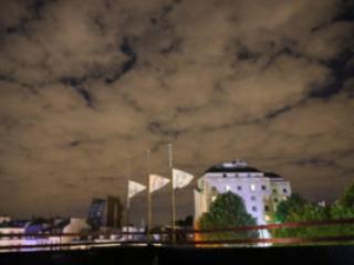 drapeaux nuit consulat paris